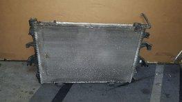Radiateur Voor VW T5 Transporter 2.5 TDI AXD.AXE.BNZ.BPC 7H0121253G 7H0121253J