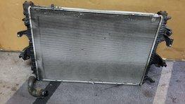 Radiateur Voor VW T5 GP Transporter 2.0 TDI 7E0121253A