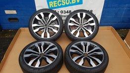 VW Tiguan R Line Suzuka Velgen Nieuw 5NA601025G Pirelli 255 / 40 /20 101V