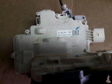 Audi A8 2012>>Portierslot Rechts voor 4H1837016 4H1837016E