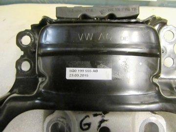 Golf 7 Motorsteun Bak Steun 5Q0199555AB 5Q0199555R