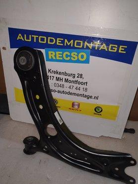 Audi A3 Draagarm steun subframe arm 5Q0407151R 5Q0407151J Links