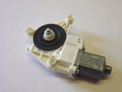 A2048200242 2048200242 Raammotor Links voor W197 W204 S204 S212 W212