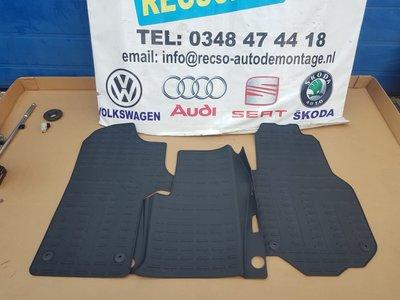 Volkswagen Crafter matten set 7C1061502 Origineel